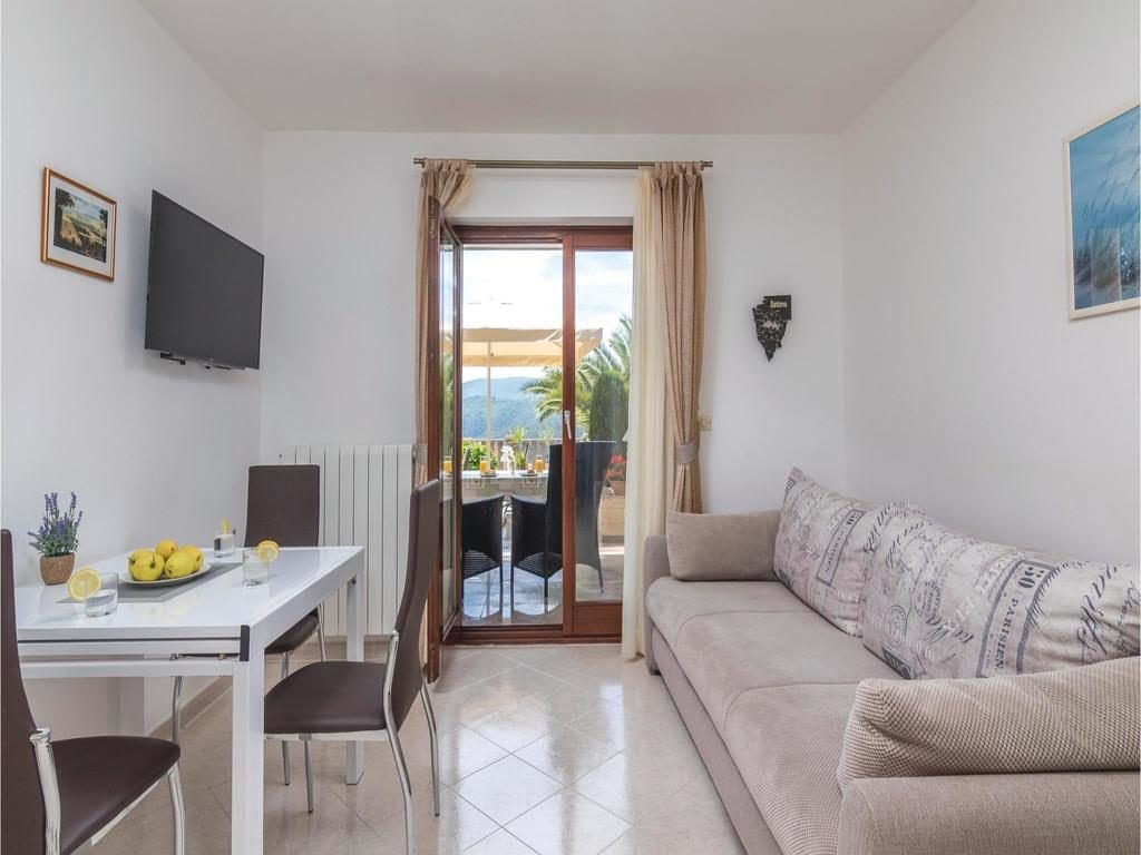 one-bedroom apartment in rabac