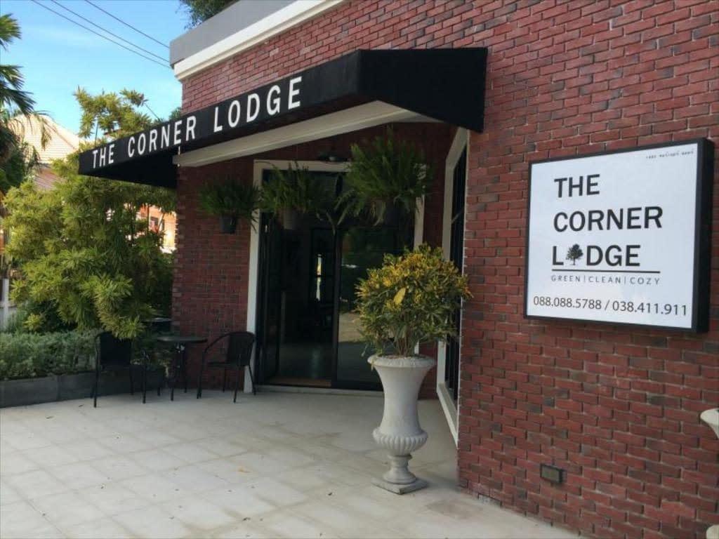 the corner lodge pataja, the corner lodge pattaya, the corner lodge pattaya review