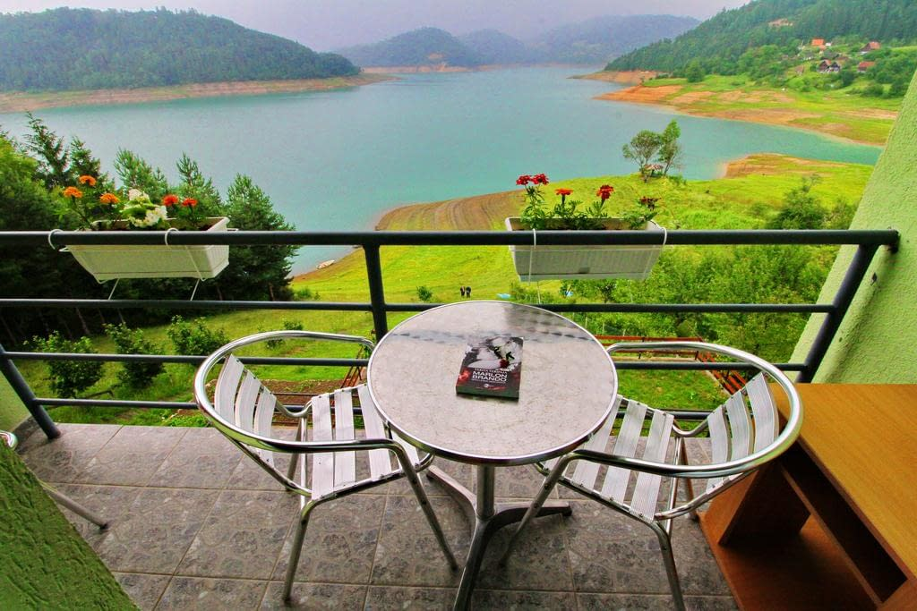 tara lake apartments, tara lake apartments booking, tara lake apartments rent