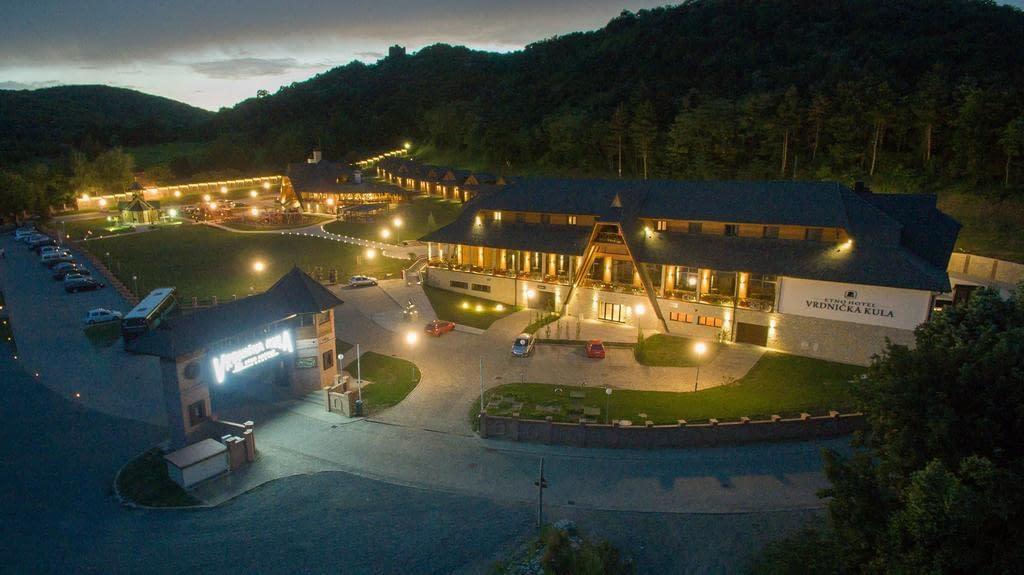 etno hotel vrdnička kula, etno hotel vrdnicka kula kontakt, etno hotel vrdnik kula