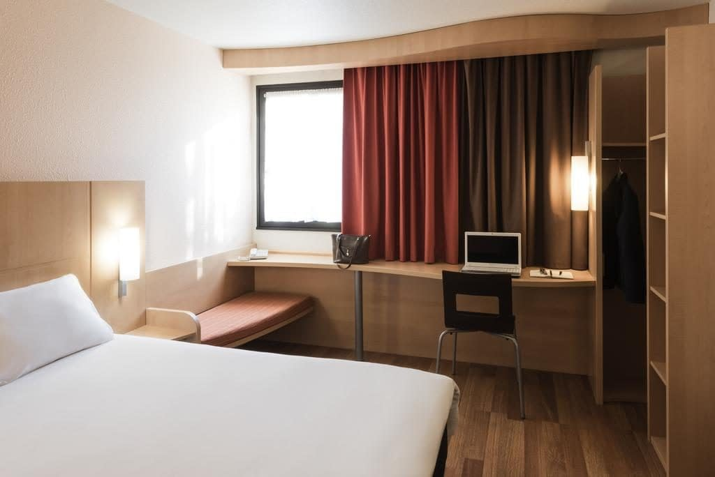 ibis sofia airport hotel - park and fly, ibis sofia airport hotel - park & fly