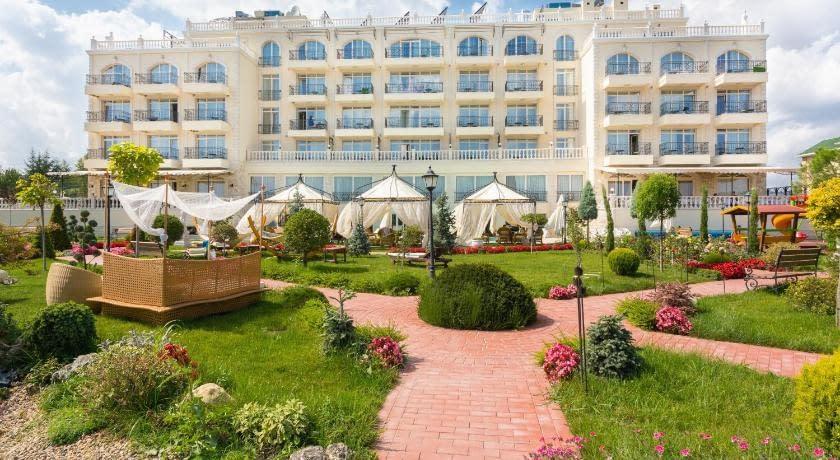 therma palace balneohotel in therma village albena