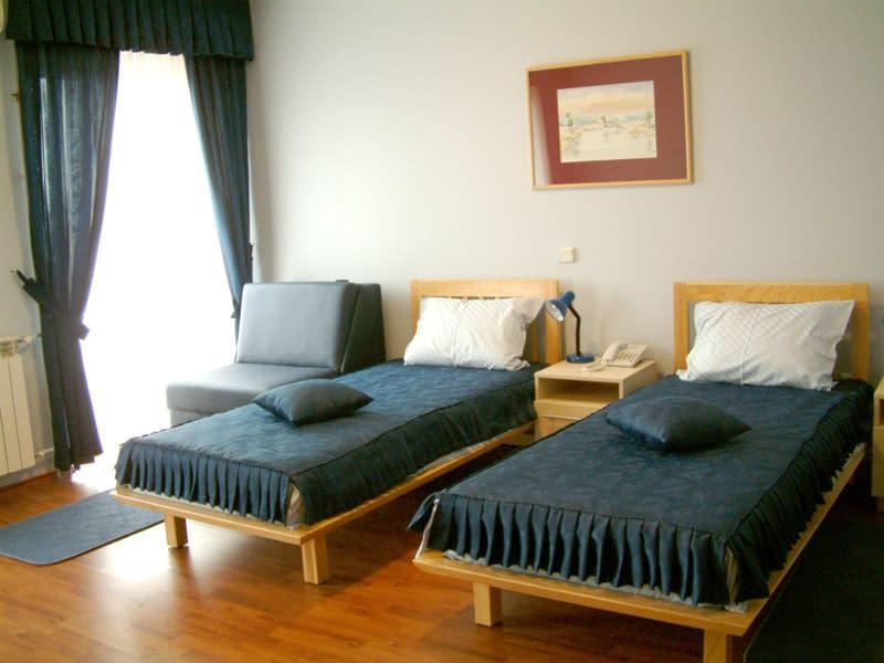 garni hotel belvedere kraljevo, garni hotel belvedere kraljevo kontakt