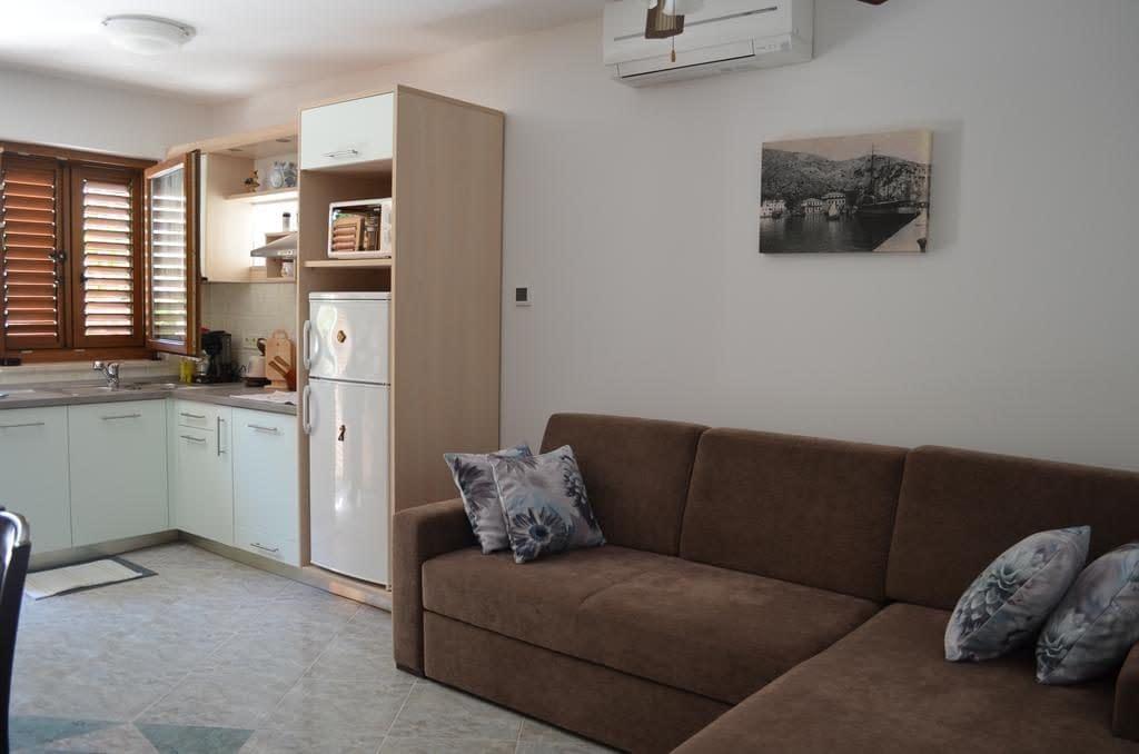 apartmani lora baska, apartments laura baska