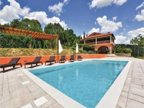 five-bedroom holiday home in secovlje ankaran